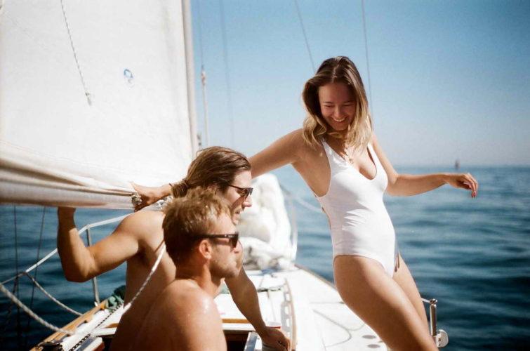 групповой отдых на яхте фото
