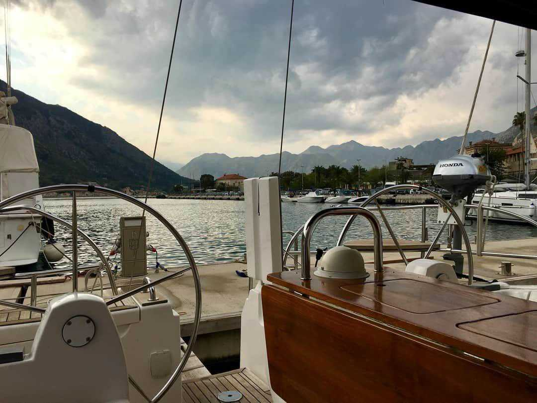 в Черногории на яхте